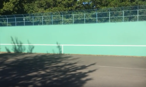 テニス 壁打ち